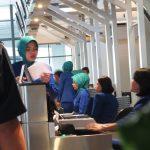 petugas bandara soetta