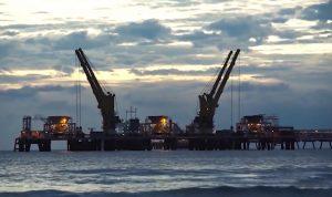 pengeboran minyak lepas pantai