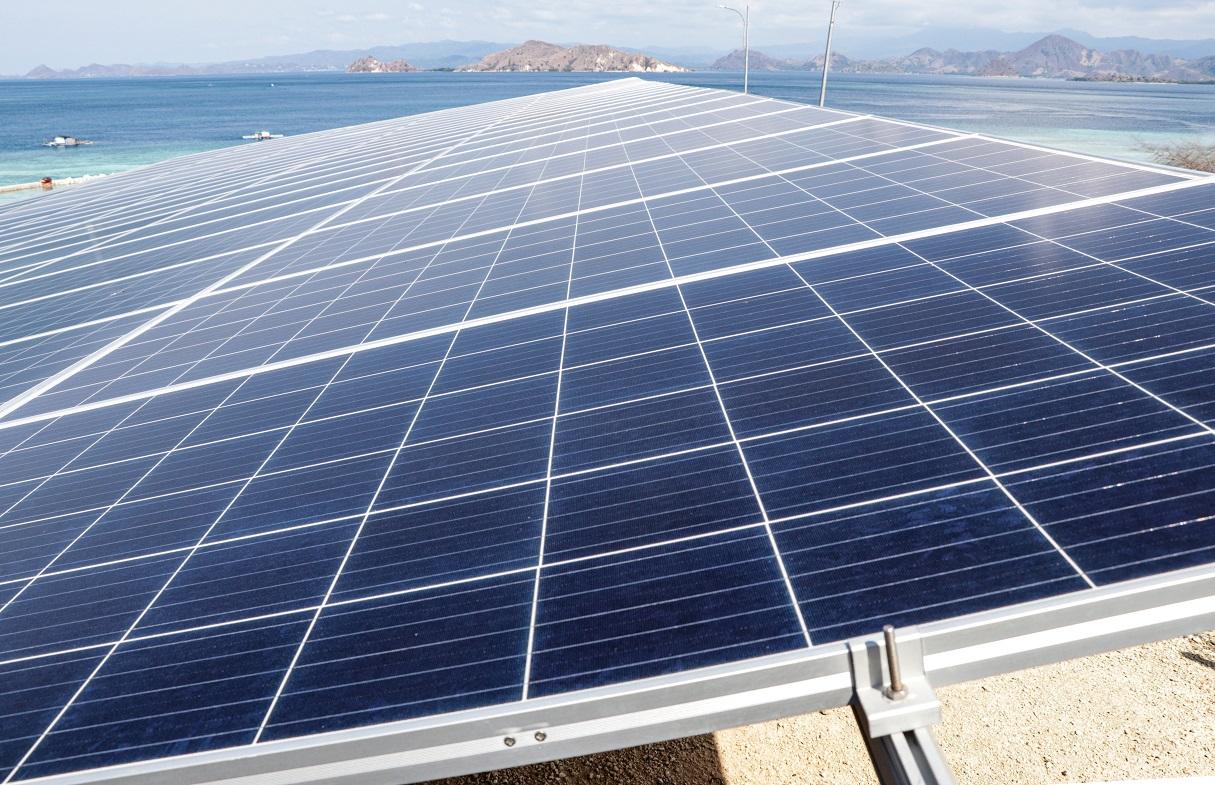 kemenperin targetkan tkdn industri panel surya capai 90% di tahun 2025